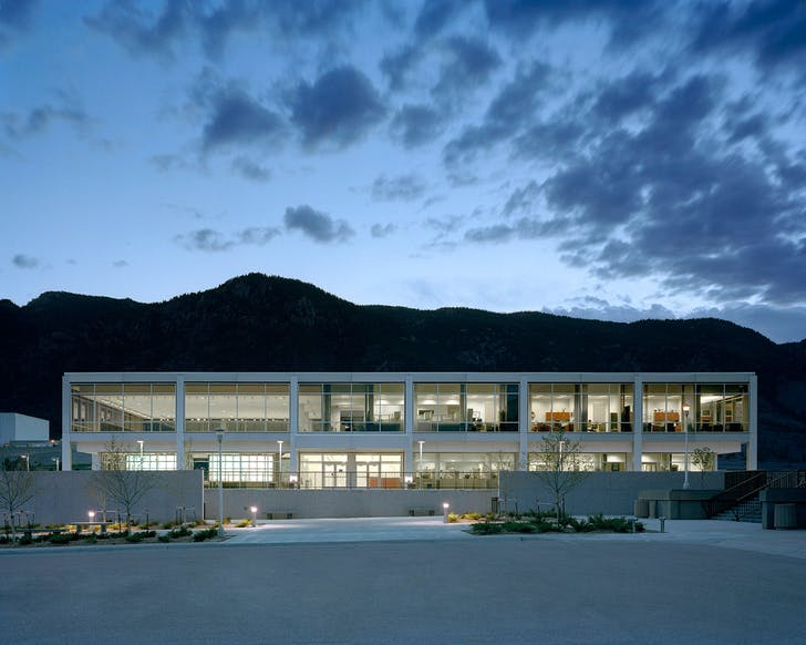 The US Air Force Academy Falcon Athletic Complex, Architect: HNTB © Brad Feinknopf