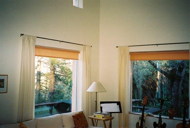 Vacation House II w/ living room windows