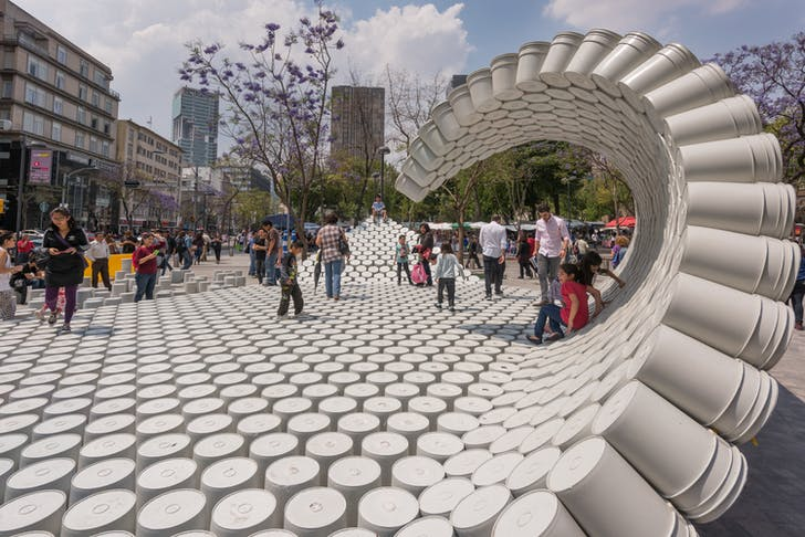 'One Bucket at a Time' by 5468796 Architecture, located in Central Alameda Park, Mexico. Photo by Jaime Navarro.