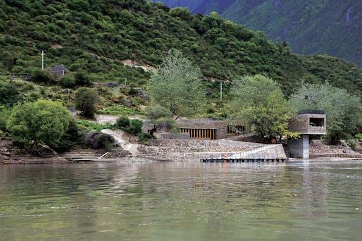Zhang Ke: Tibet Yarlung Tsangpo Boat Terminal 2008 © ZAO/standardarchitecture