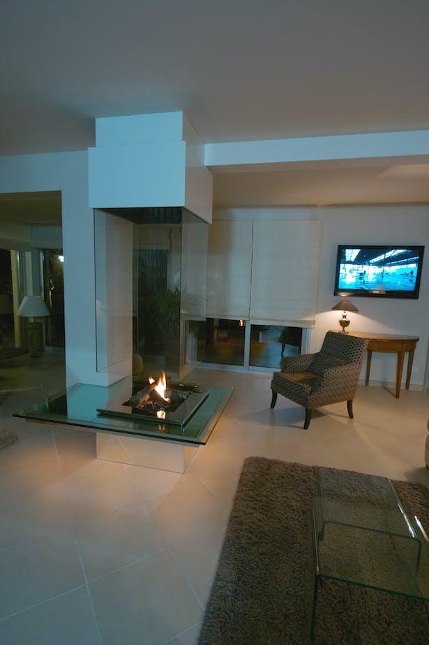 Bloch Design fireplace 8