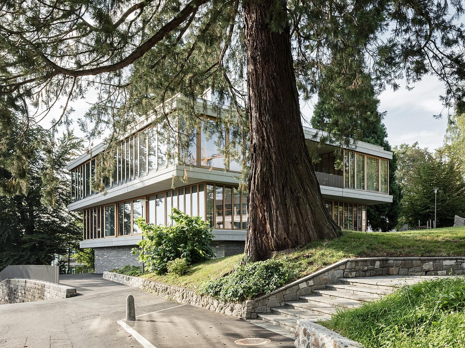 Architect: Menzi Bürgler Architekten. Location: Zürich, Switzerland. Photo:  Beat Bühler.