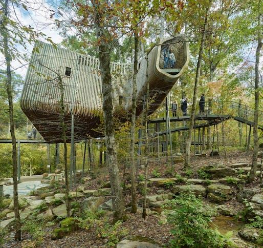 The Evans Tree House at Garvan Woodland Gardens, Hot Springs, Arkansas | Modus Studio and the University of Arkansas. Photo: Timothy Hursley.