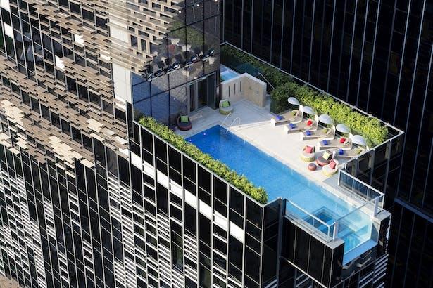 Hotel Indigo Hong Kong Island Rooftop Pool