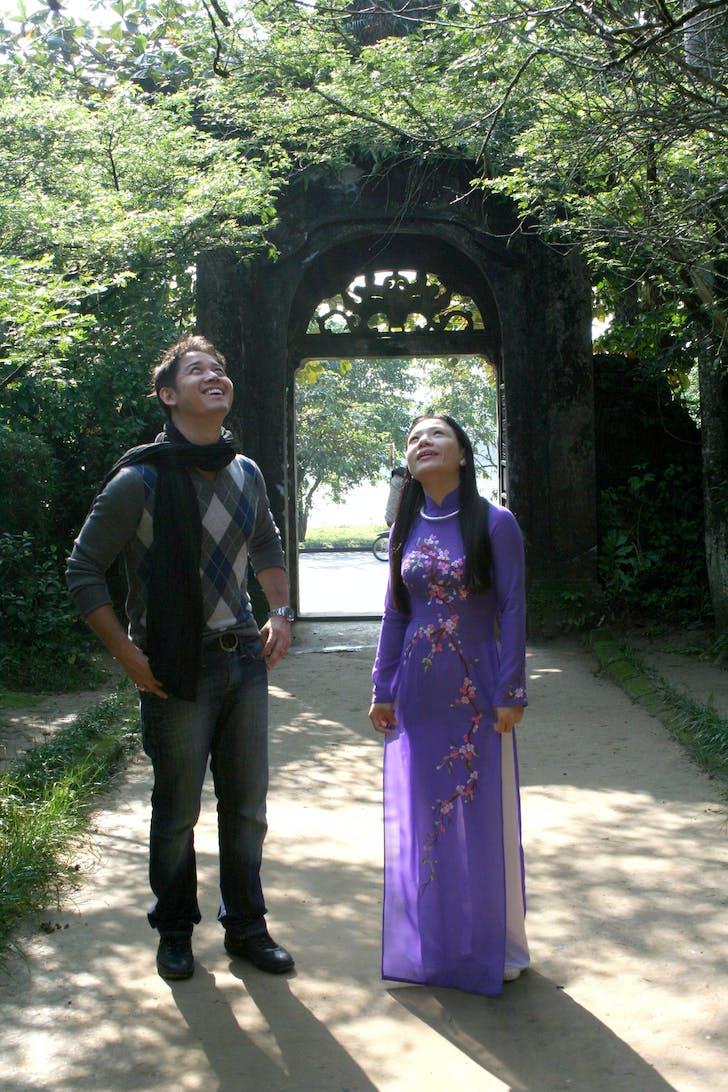 Pomeroy walking through the An Hien Garden House in Vietnam. Image courtesy of Pomeroy Studios.