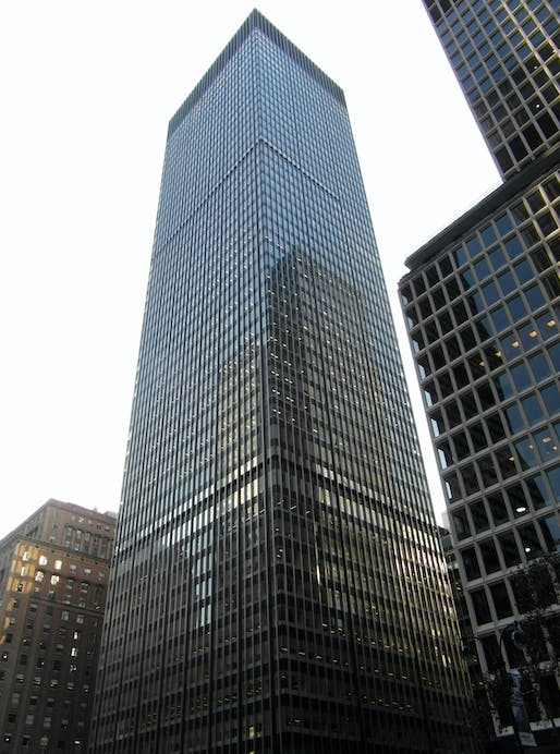 Union Carbide building, located on Park Avenue in Manhattan, by SOM. Image: Tom Bastin/Flickr.