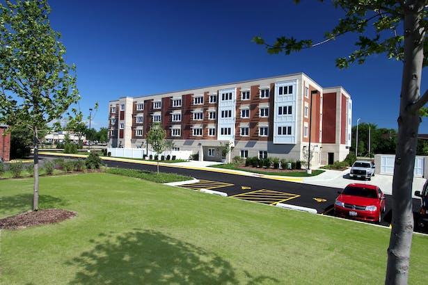 Myers Place, Mt. Prospect, Illinois / Cordogan Clark & Associates Architects