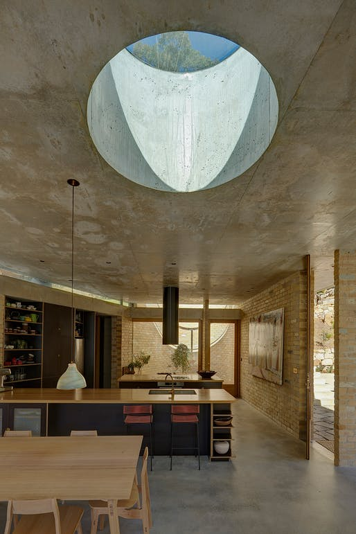 Wilkinson Award for Residential Architecture: Cabbage Tree House. Photo: Michael Nicholson.