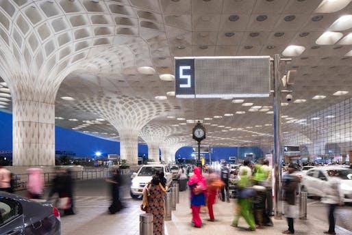 Chhatrapati Shivaji International Airport Terminal 2, Mumbai, India | Skidmore, Owings & Merrill. Photo © SOM / Lucas Blair Simpson.