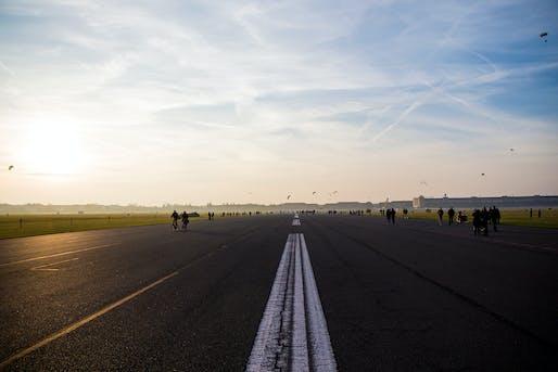 Merit Award: 100% Tempelhofer Feld, Daniel Aguilar