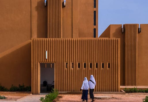 Hikma Religious and Secular Complex in Dadaji, Niger by Atelier Masōmī + Studio Chahar. Photo credit: James Wang, Mariama Kah.