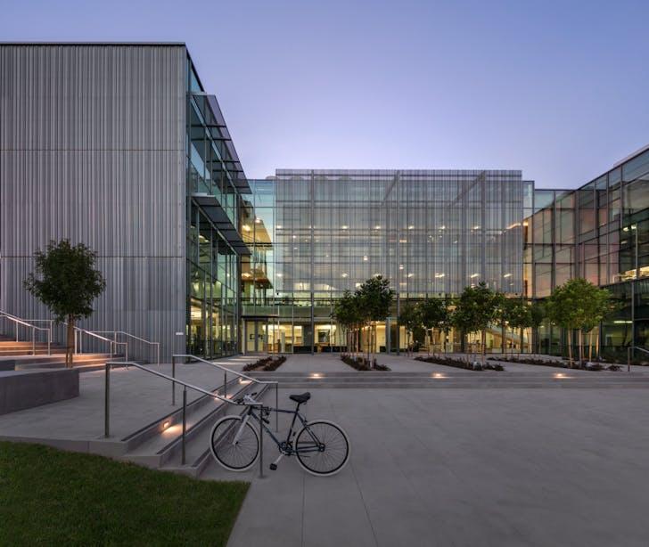 Life Sciences Building, Loyola Marymount University, Los Angeles, CA. Photo: Bill Timmerman.