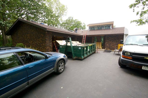 Driveway side exterior construction