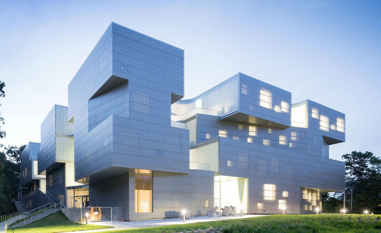 Superior UNIVERSITY OF IOWA VISUAL ARTS BUILDING, Iowa City, Iowa, 2016. Architect: