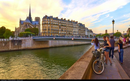 A mostly car-less view of Notre Dame (photo by Moyan Brenn)