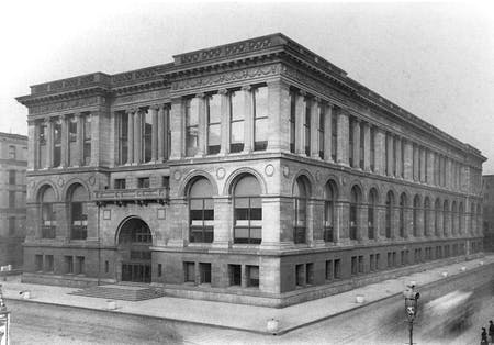 Chicago Public Library Central Library, exterior view, circa 1900. © Courtesy of Chicago Public Library.