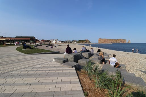 Rehabilitation of the waterfront and boardwalk at the Anse-du-Sud sector of Percé, QC. Lead firm: AECOM. Photo: Ville de Percé.