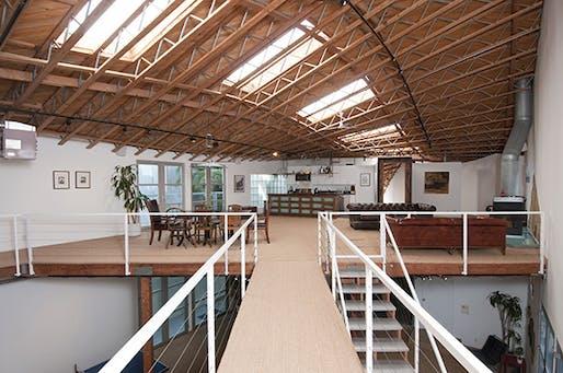 Brian Murphy's Hopper Residence   Photo: Larry Underhill.