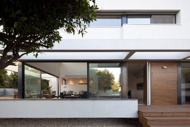 Exterior View | Level 01 |