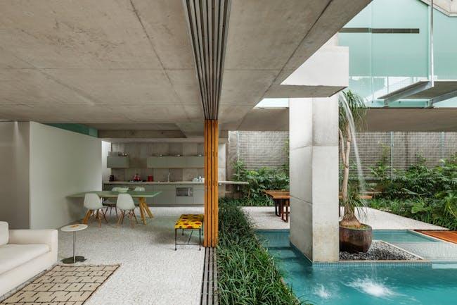 2014/2015 MCHAP Finalist: Weekend House by Angelo Bucci, São Paulo, Brazil. Photo: Nelson Kon.