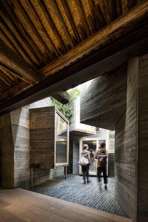 Zhang Ke: Beijing Micro-Hutong 2013 © ZAO/standardarchitecture