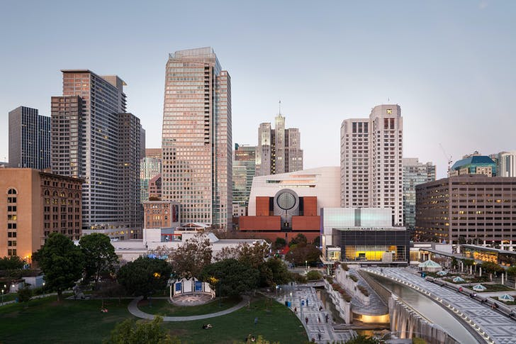 Snøhetta expansion of the SFMOMA, with Mario Botta's design, view from Yerba Buena Gardens; photo: © Henrik Kam, courtesy SFMOMA.
