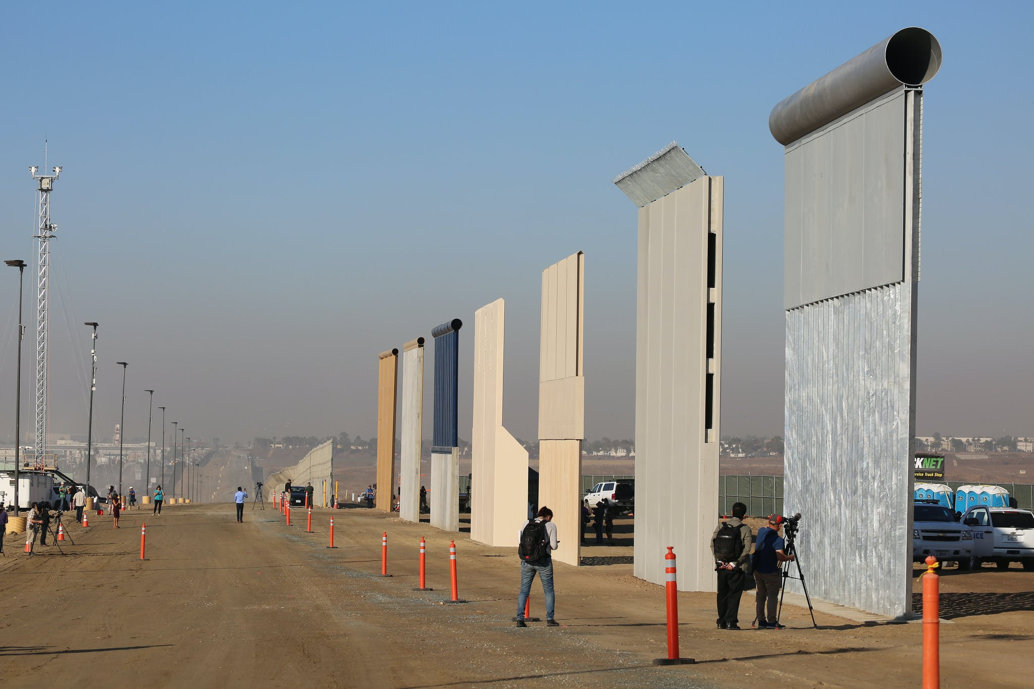 Trump Border Wall Prototypes Completed Prepare For Sledgehammer Testing News Archinect