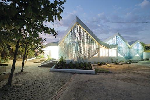 GHESKIO Cholera Treatment Center by MASS Design Group. Image: Iwan Baan.