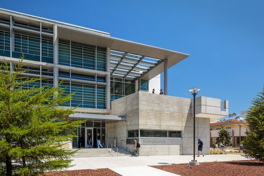 COTE LA AWARD - MERIT: Moore Ruble Yudell Architects & Planners, UCSB BioEngineering Santa Barbara, CA. Photo: Colins Lozada.