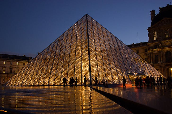 The Louvre pyramid by I.M. Pei. Image: Wikipedia