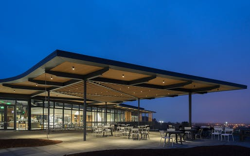 Sonoma Academy's Janet Durgin Guild & Commons; Santa Rosa, California | WRNS Studio. Photo: Celso Rojas.