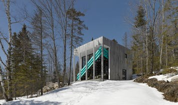 Modular benches provide maximum functionality and versatility for Lake Jasper House