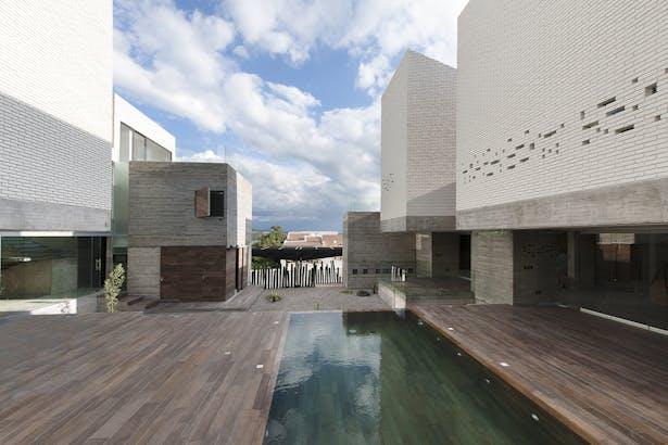pool & terrace / Photographer: Jaime Navarro