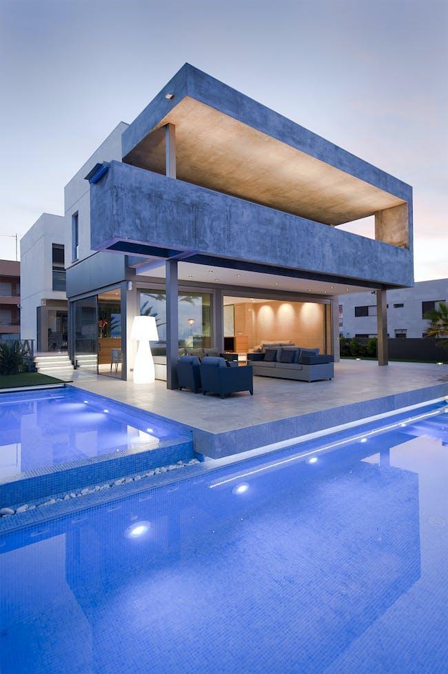 Residence at the Mediterranean coast by Manuel Herrera Ros estudio MUHER