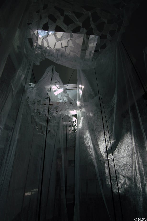 the installation art with daylight (photo MoNo)