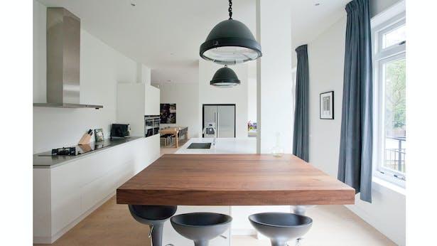 kitchen looking toward living room – ground floor