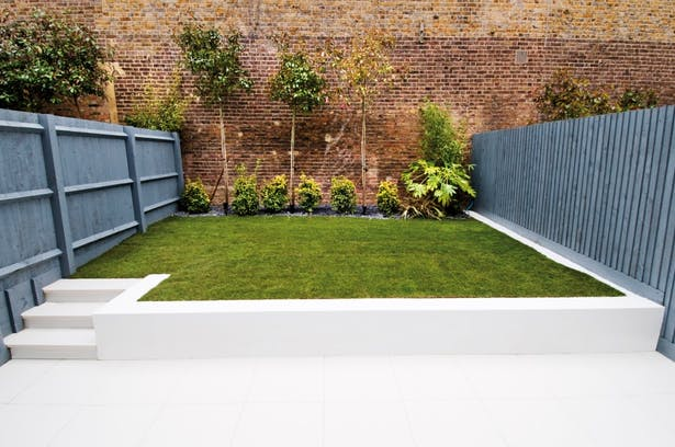 Garden at rear.