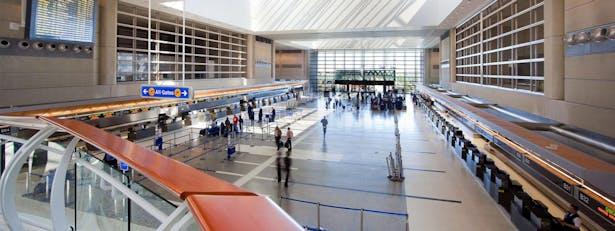 LAX Tom Bradley International Terminal: Ticketing and Arrivals Lobby