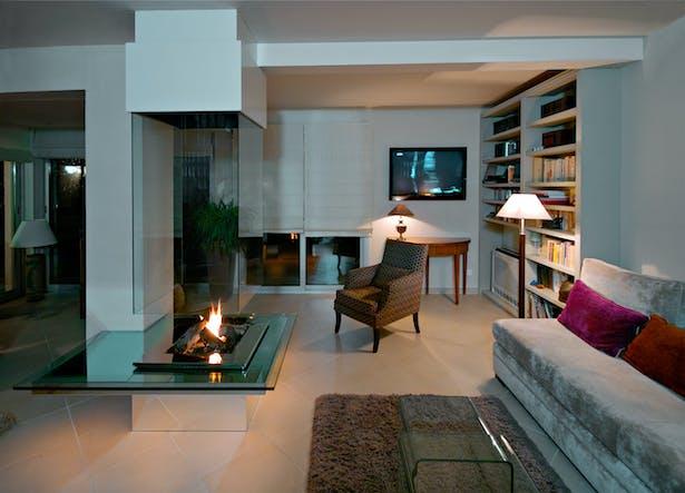 Bloch Design fireplace 4