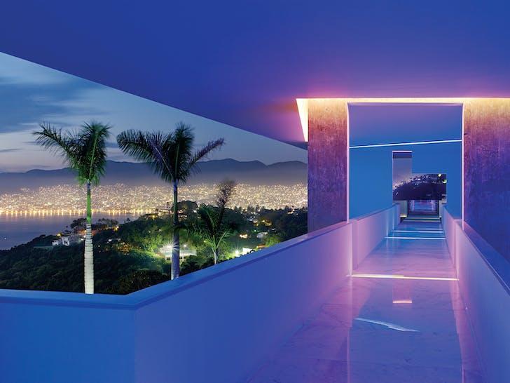 Joe Fletcher: Encanto Hotel by Miguel Àngel Aragonés Architect. Shot in Acapulco, Mexico, 2010. © Joe Fletcher