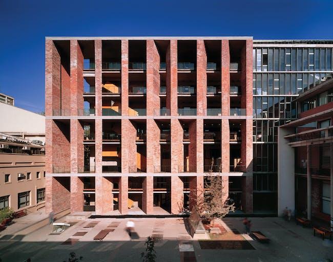 Medical School, 2004, Universidad Católica de Chile, Santiago, Chile. Photo by Roland Halbe. Courtesy of ELEMENTAL.