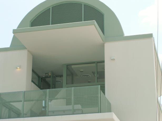 Back Elevation - photo of railing and grill details