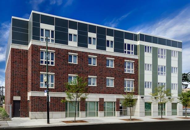 Milwaukee Avenue Apartments / Cordogan Clark & Associates Architects