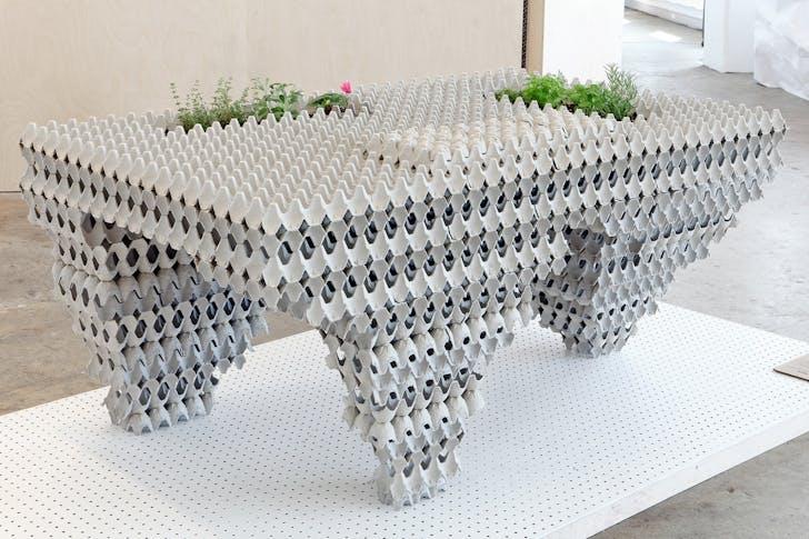 Auto Cannibalistic Table. © Atema