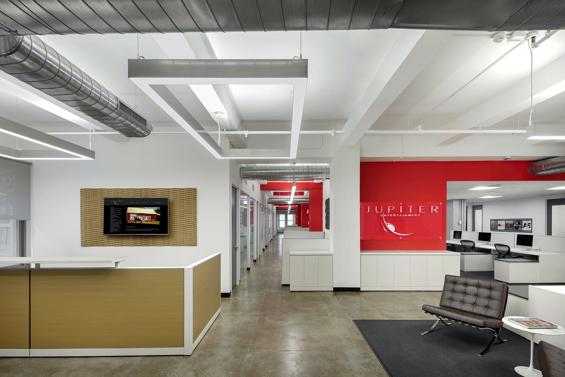 office studios craft madgi provided fullfloor office design and buildout for jupiter entertainments newly completed 20000 sf nyc space production studios designs office space