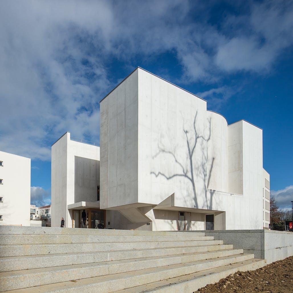 New House Designs Portuguese Architect 193 Lvaro Siza Vieira Realizes White
