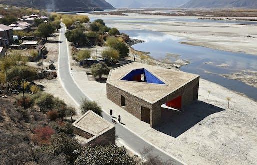 Zhang Ke: Tibet Niyang River Visitor Centre 2010 © ZAO/standardarchitecture