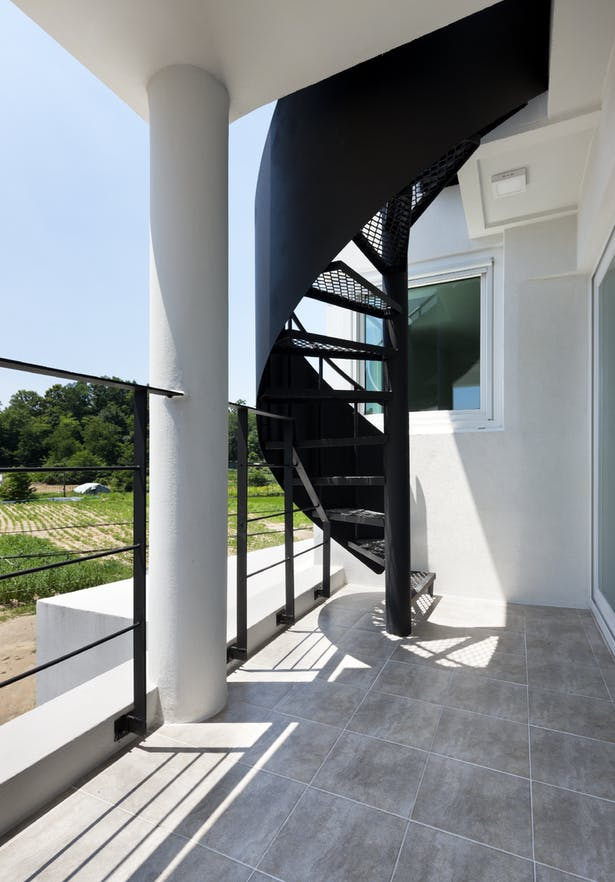 winding stairs / terrace