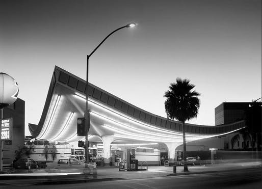 Jack Colker's Union 76 gas station designed by Gin Wong, in Beverly Hills. Photo via waterandpower.org.