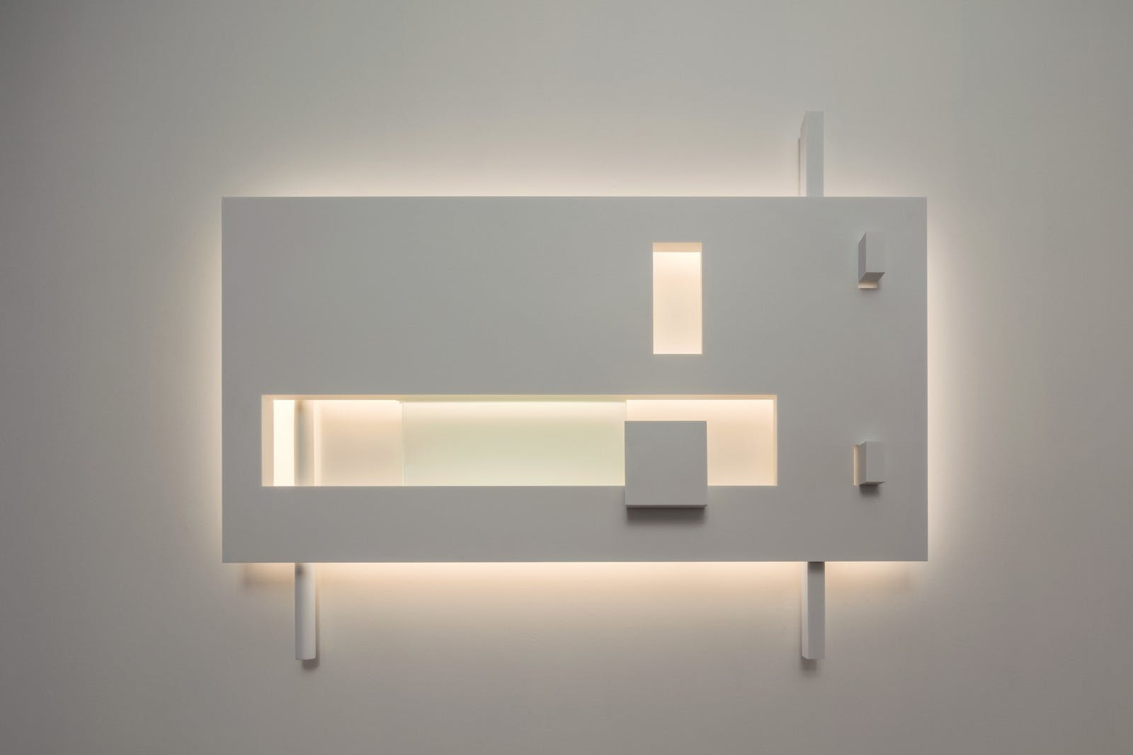 The new richard meier light collection captures elements of the barcelona i photo scott frances arubaitofo Image collections